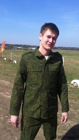 В военной форме